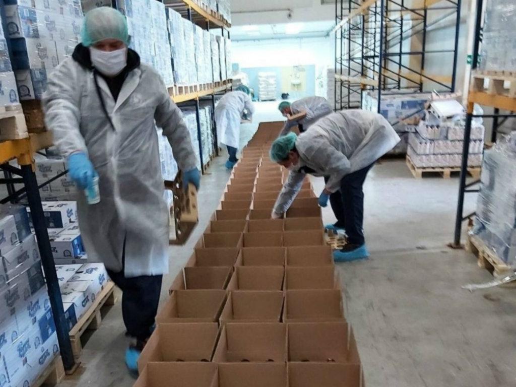 Donirani paketi proizvoda bolničkom osoblju KBC Dr Dragiša Mišović