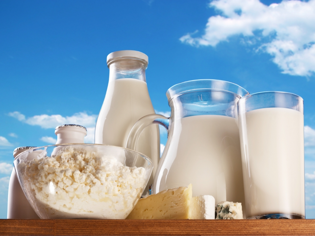 Otvoren 3. IPARD javni poziv za podsticaje za preradu hrane - Budžet 5,4 milijarde dinara, najviše para za sektor mleka