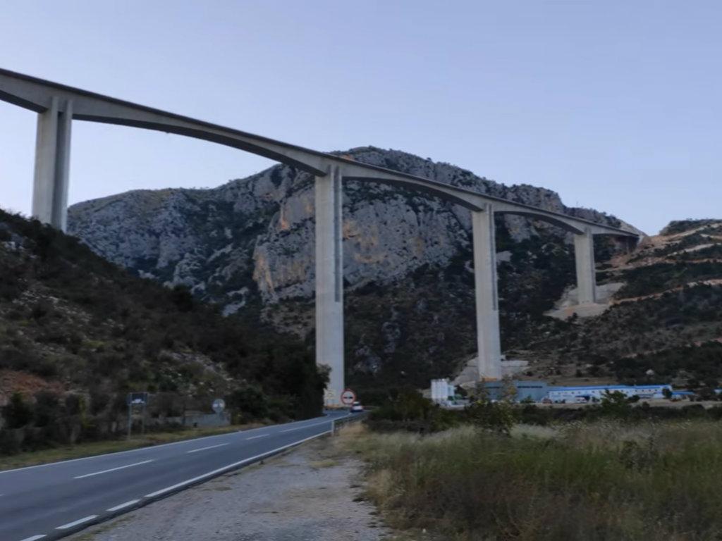 Završni radovi na mostu Moračica - Simbol autoputa dobiće posebnu dekorativnu rasvjetu