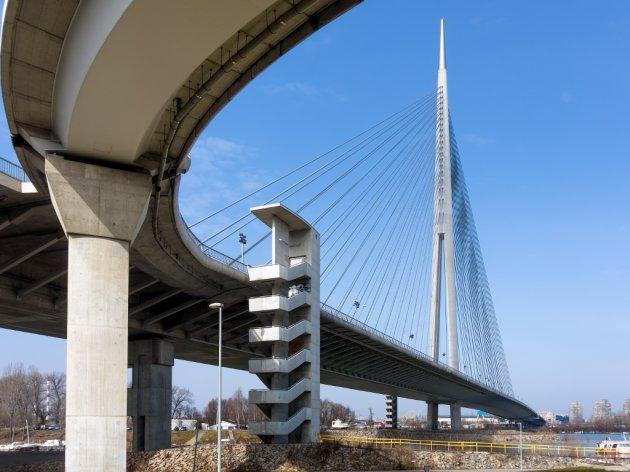 Za postavljanje šina preko Mosta na Adi stigle tri ponude - Francuzi, Austrijanci i Španci među zainteresovanima