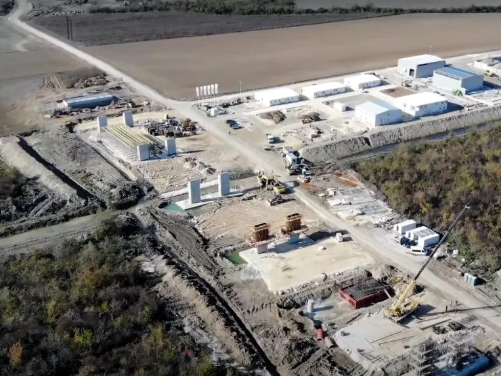 U toku marta počinje izgradnja trase autoputa od Šapca do Rume