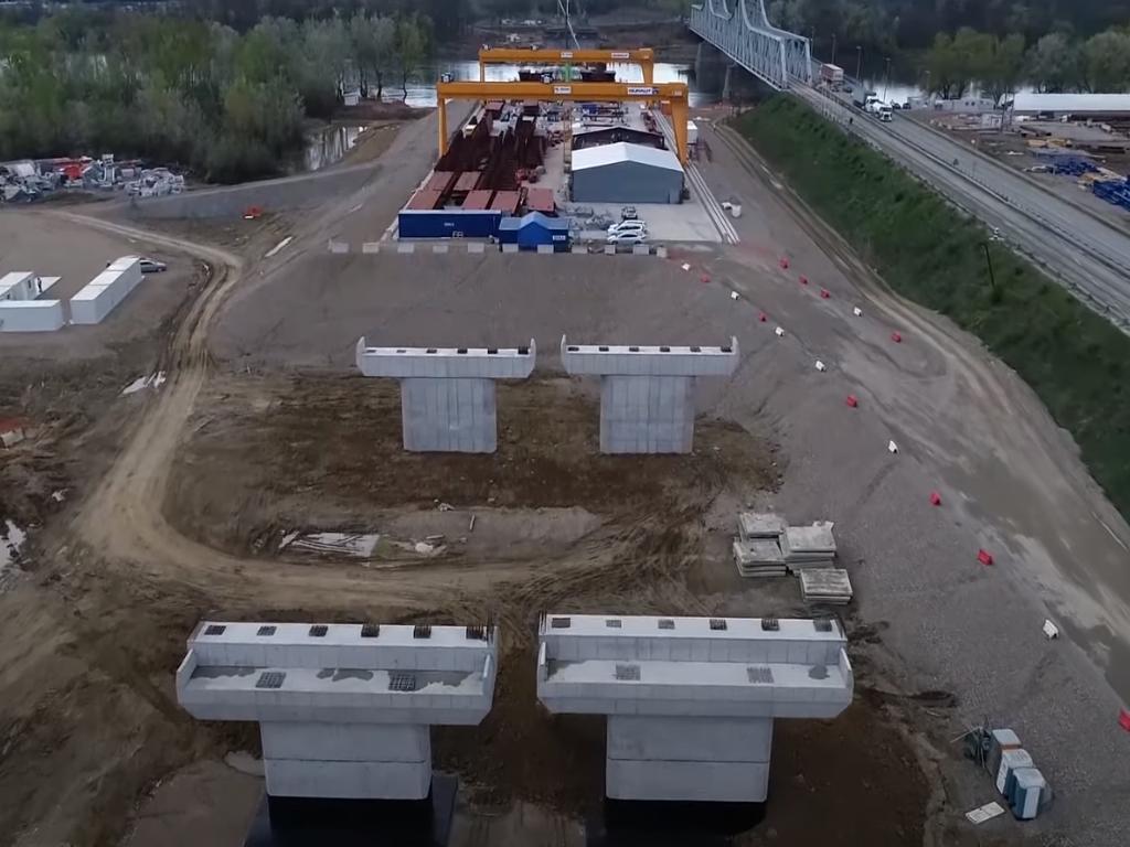 Objavljen snimak gradnje novog mosta na Savi u Sremskoj Rači kao dela autoputa Beograd-Sarajevo (VIDEO)