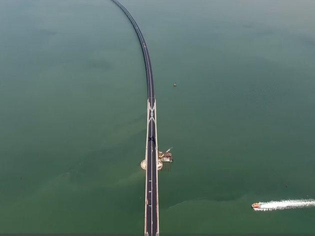 Kinezi otvorili najduži svetski most od 55 kilometara - Investicija od 20 mlrd USD, gradnja trajala 9 godina