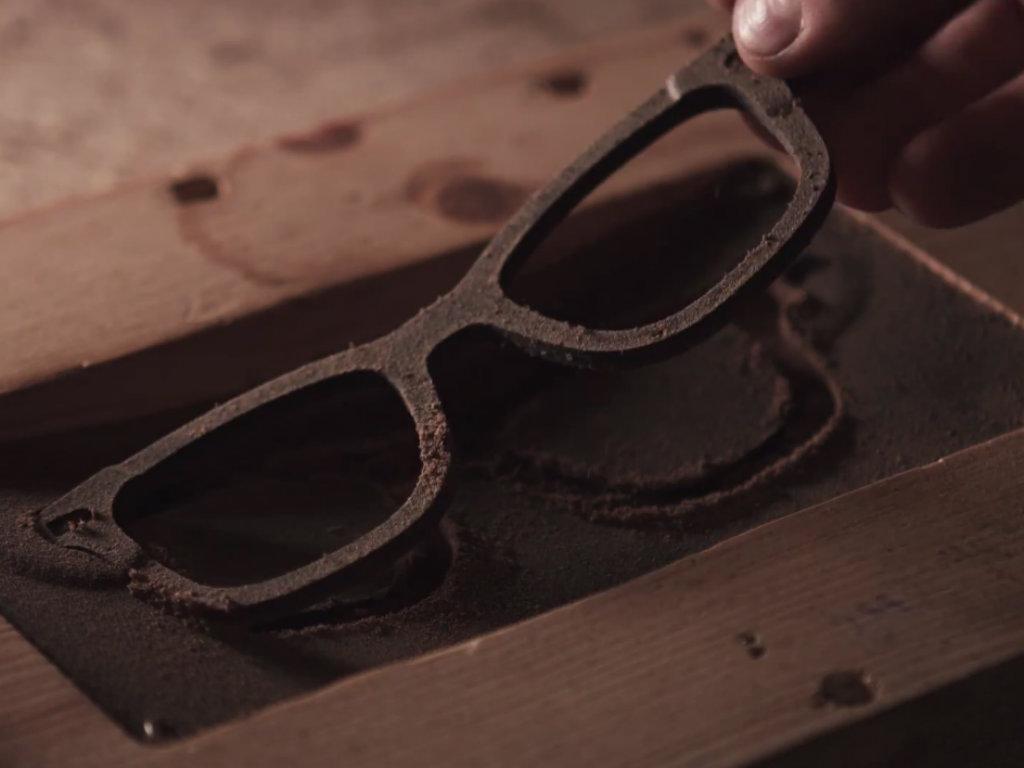 Moderne, ekološke  i mirisne - Naočare za sunce od taloga kafe stižu iz Ukrajine (VIDEO)