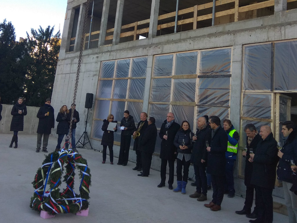 Nemačka ambasada u Beogradu pod krovom - Završetak radova u januaru 2020. godine