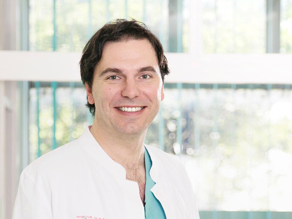 Nikola Baroš, načelnik Klinike za plastično-rekonstruktivnu hirurgiju UKC RS - Na posao se dolazi nasmijan