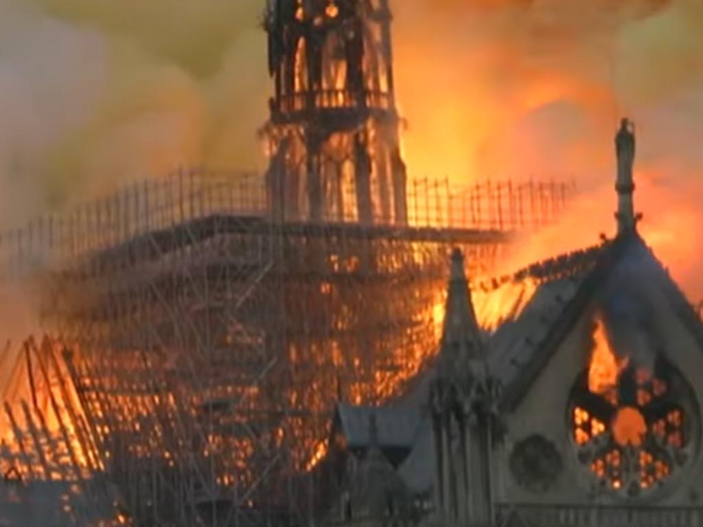 Požar u katedrali Notr Dam - Simbol Pariza i remek delo svetske arhitekture u pepelu