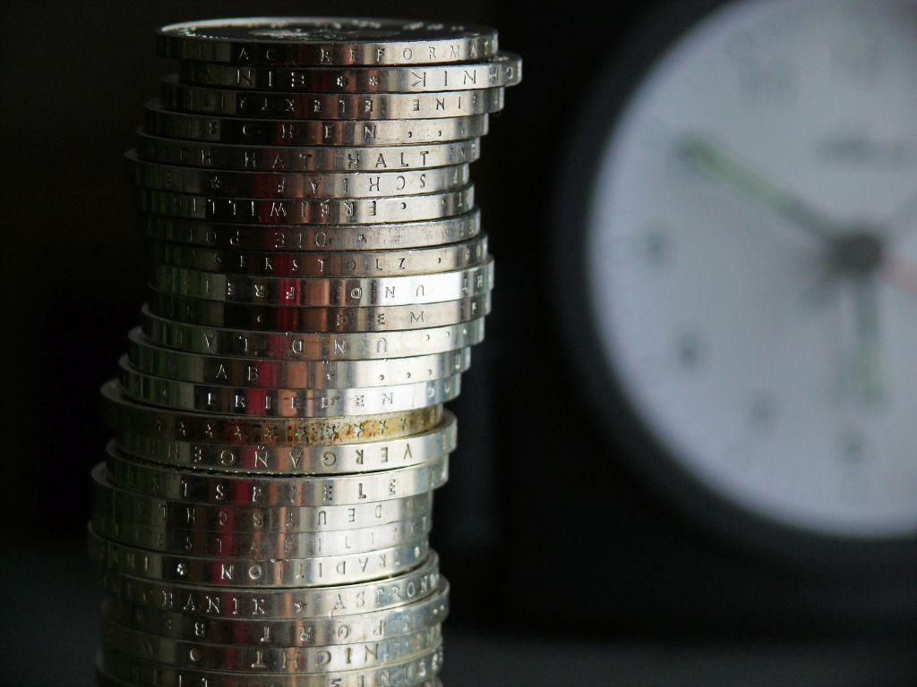 Naplata državnih prihoda u julu bila za 18,2 mil EUR manja od plana - Da je Skupština usvojila zakone bilo bi više novca