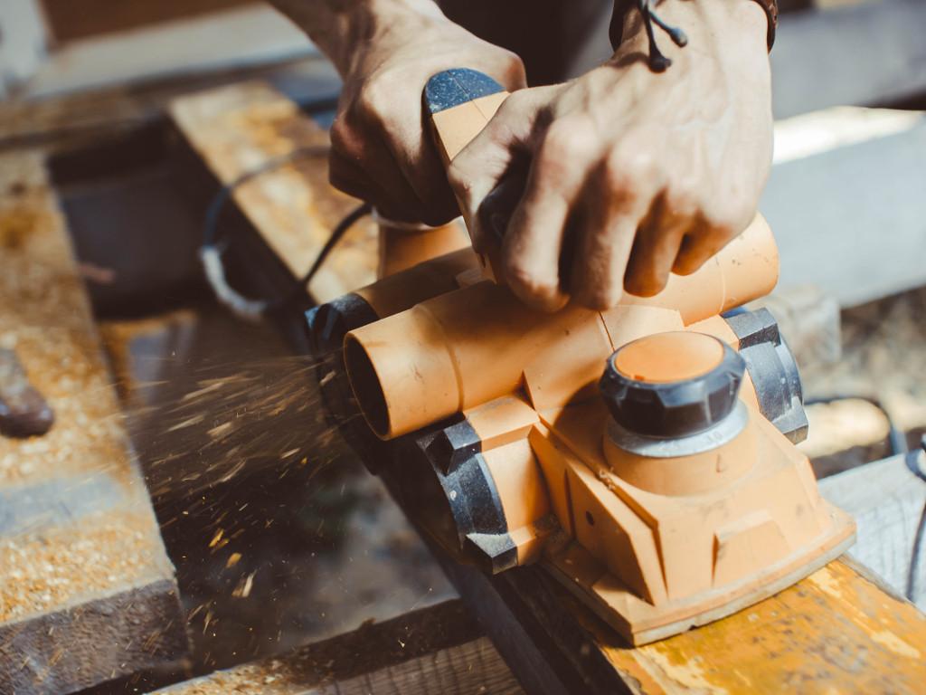Grantovi za obuku radnika iz sektora metala, drveta, tekstila i obuće - Poziv u okviru WHAM projekta otvoren do 29. juna