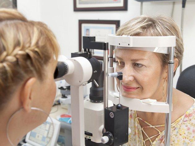 Prijedorska bolnica dobila opremu za operaciju katarakte