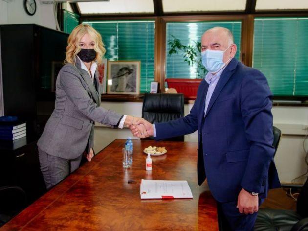 Kompanija Voli donirala DZ Podgorica 20.000 EUR za nabavku ultrazvučnog aparata i ginekološkog stola