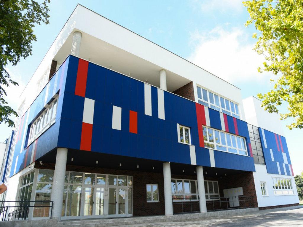 Otvoren nov objekat OŠ Jovan Popović u Sremskoj Mitrovici - 4.100 m2 za 1.200 učenika