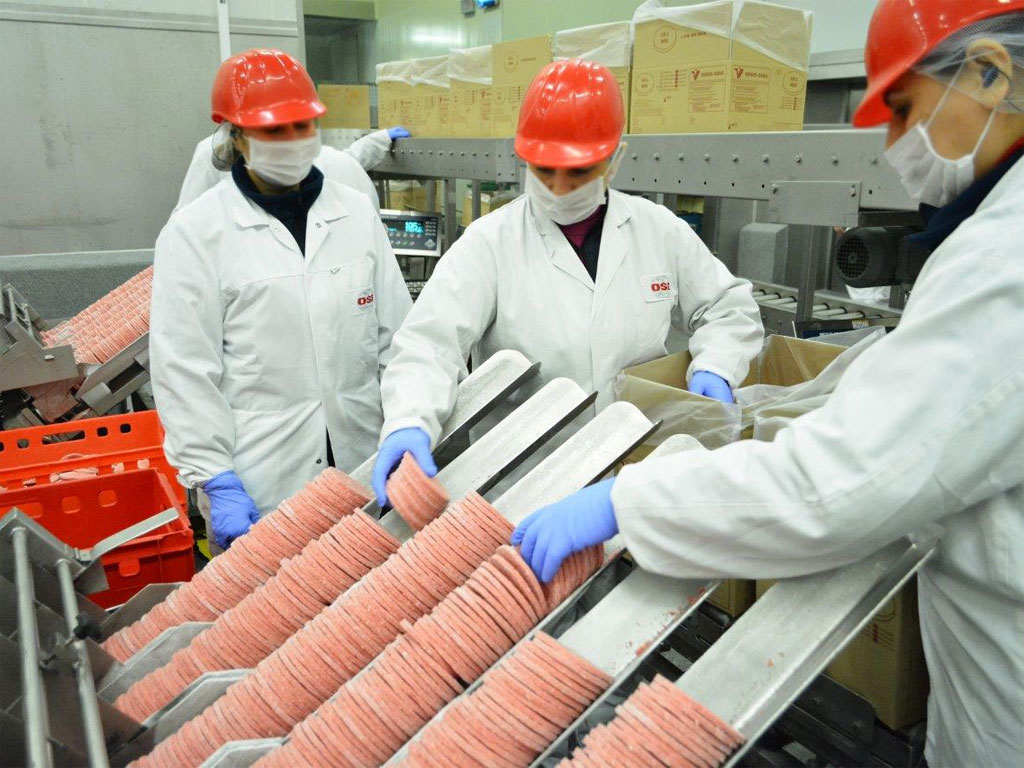 Otkrivamo šta je mit, a šta istina - Pogledajte gde i kako se proizvode burgeri za McDonald's proizvode (FOTO)