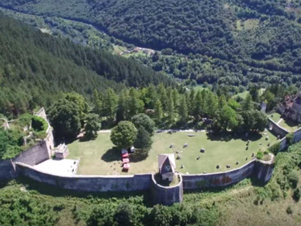 U planu adaptacija Berksovog dvorca u Starom gradu Ostrožac - Cazin sprema i osvjetljenje cjelokupnog kompleksa