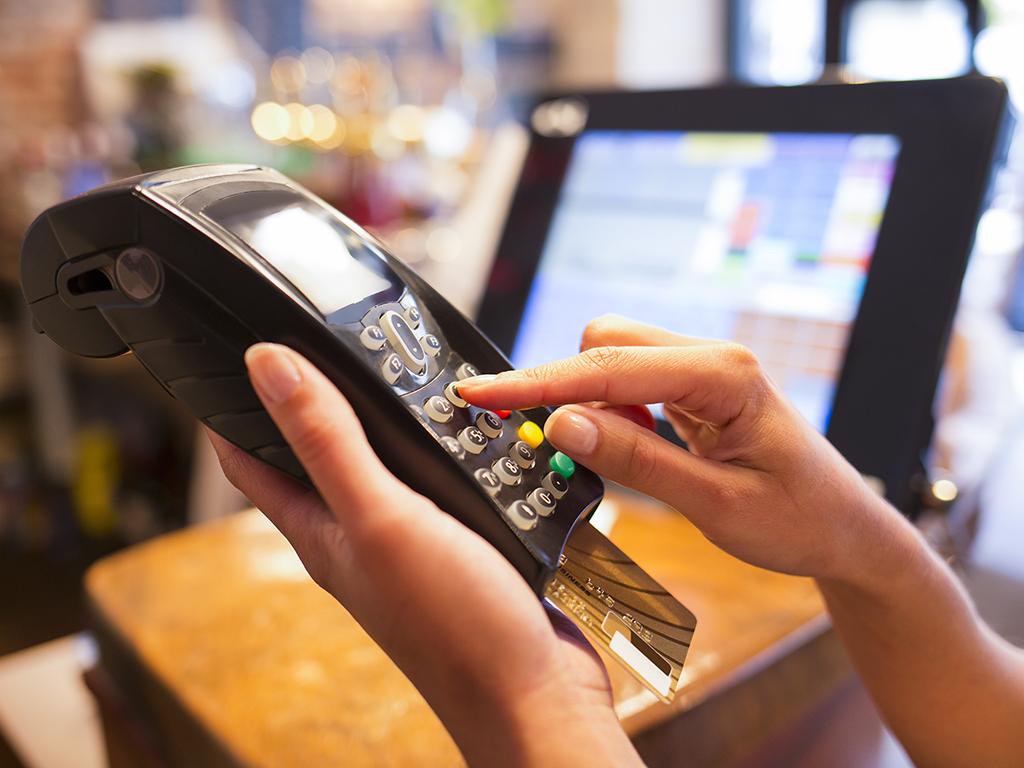 Plaćanje Dina karticama na rate - Elektronska zamena za ček