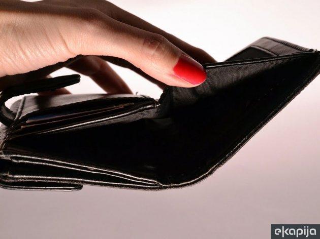 Država i trudnicama i porodiljama naplaćuje solidarni porez - Namet i na zakasnele plate