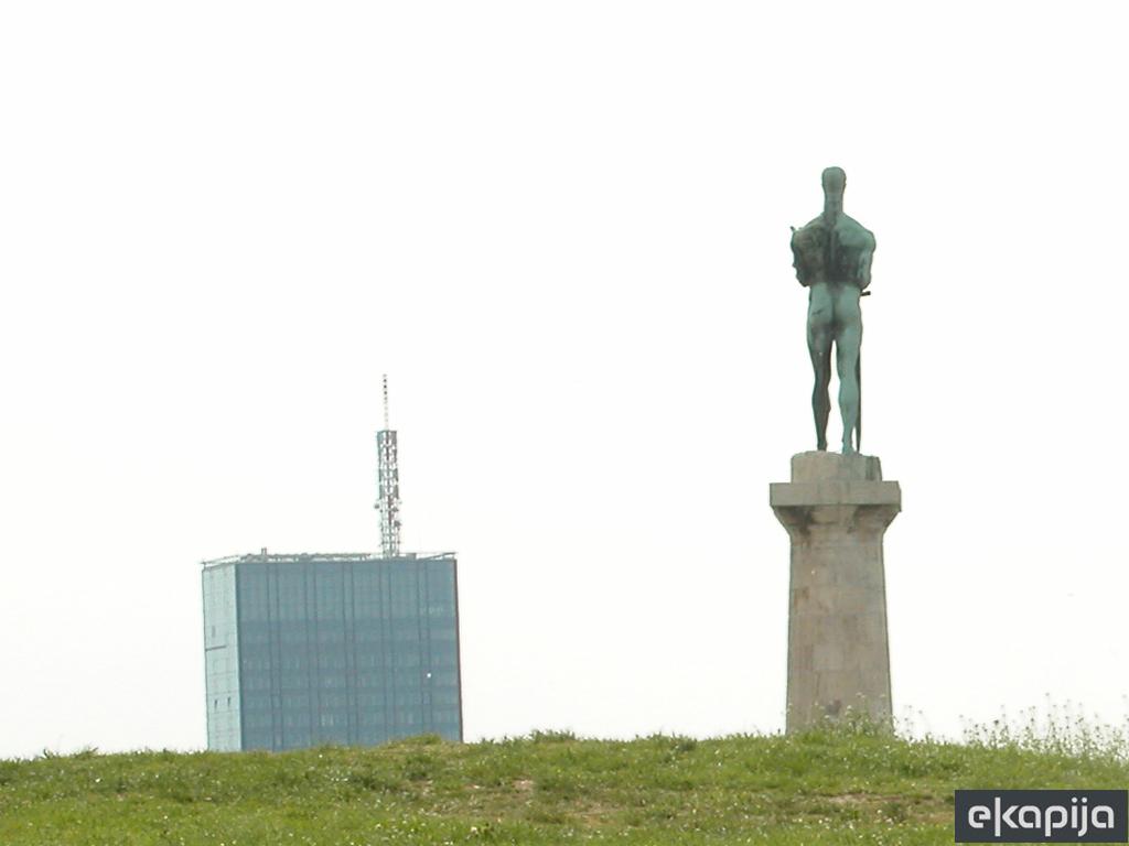 Rekonstrukcija i restauracija spomenika Pobednik