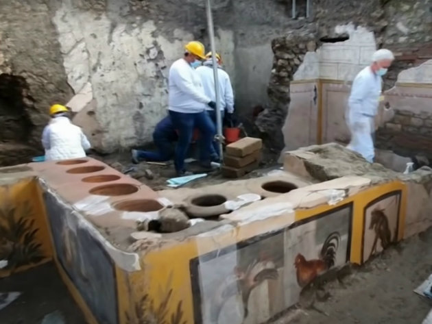 Fast Food Restaurant 2,000 Years Old Found at Pompeii