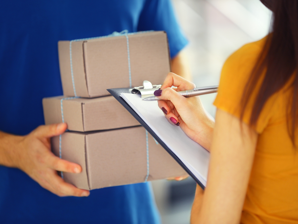 Pandemija povećala onlajn prodaju, brze pošte profitirale