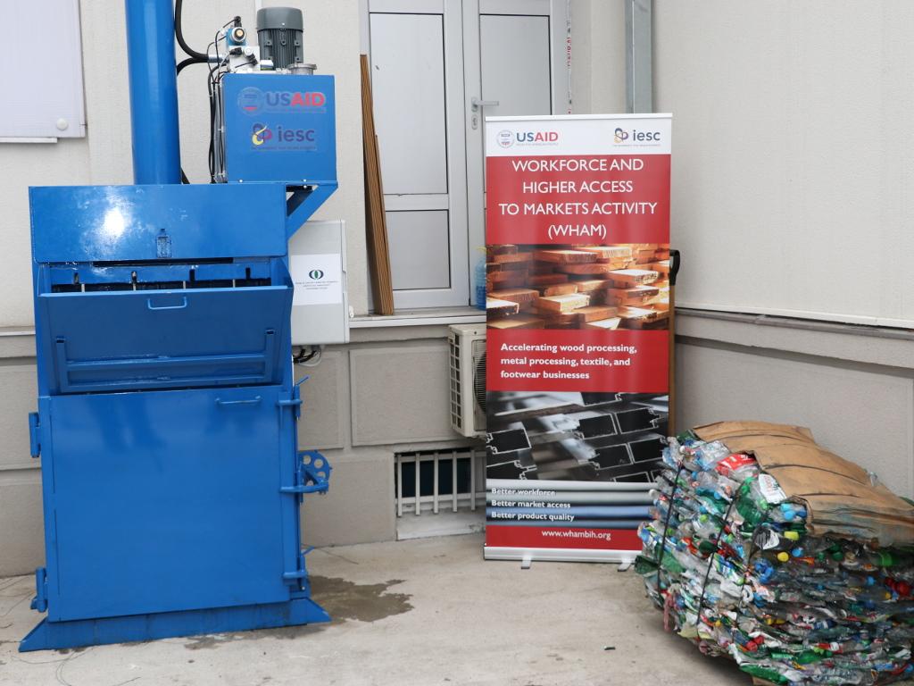 Banjalučki Mašinski fakultet i firma Tri best izradili hidrauličnu presu za plastični otpad - Zapreminu smanjuje do osam puta