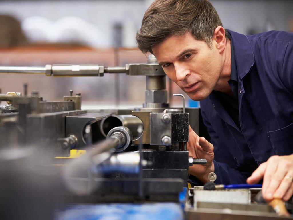 Malim preduzećima 568 miliona dinara za nabavku opreme - Novi program Ministarstva privrede predviđa 25% bespovratnih sredstava za preduzetnike