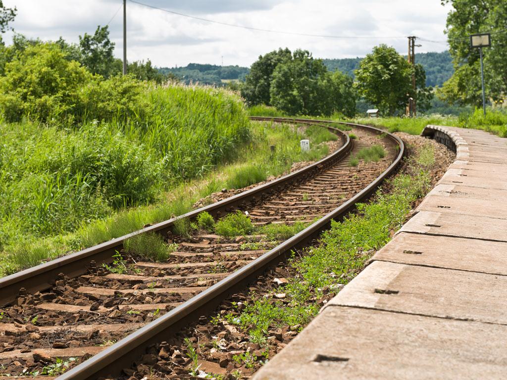 Trogodišnji projekat u Vojvodini podrazumeva obnovu 750 kilometara regionalnih pruga