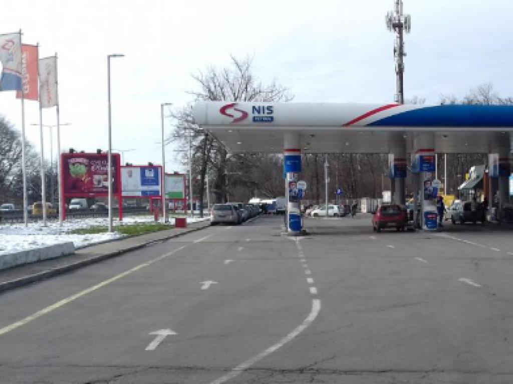 NIS ruši pumpu Zmaj 1 - Menja je savremenija benzinska stanica sa Gasprom maloprodajnim objektom i punjačem za električna vozila