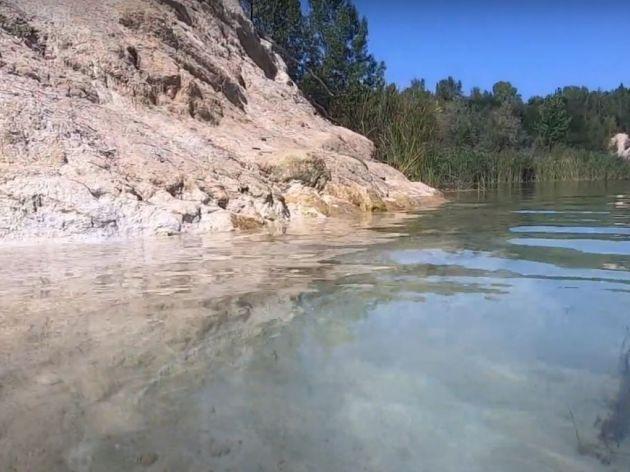 Neotkriveni dragulj Timočke krajine - Rgotsko jezero je bistro i čisto, i podseća na more