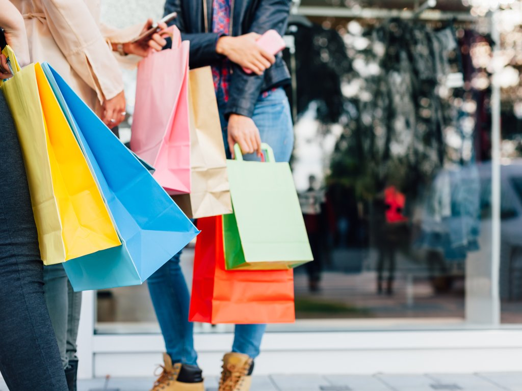 Radno vreme za praznike - Koji će biti neradni dani za pošte, tržne centre, prodavnice...