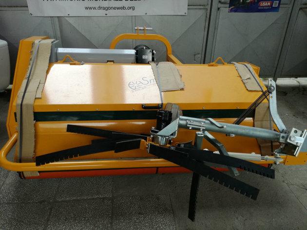 Rivmec hazelnut machine