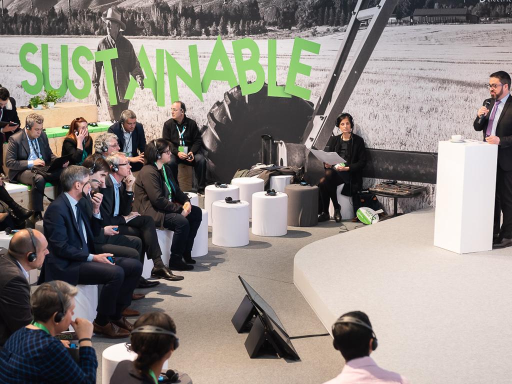 U košnici ideja - eKapija na Schneider Electric Samitu inovacija u Parizu (FOTO)