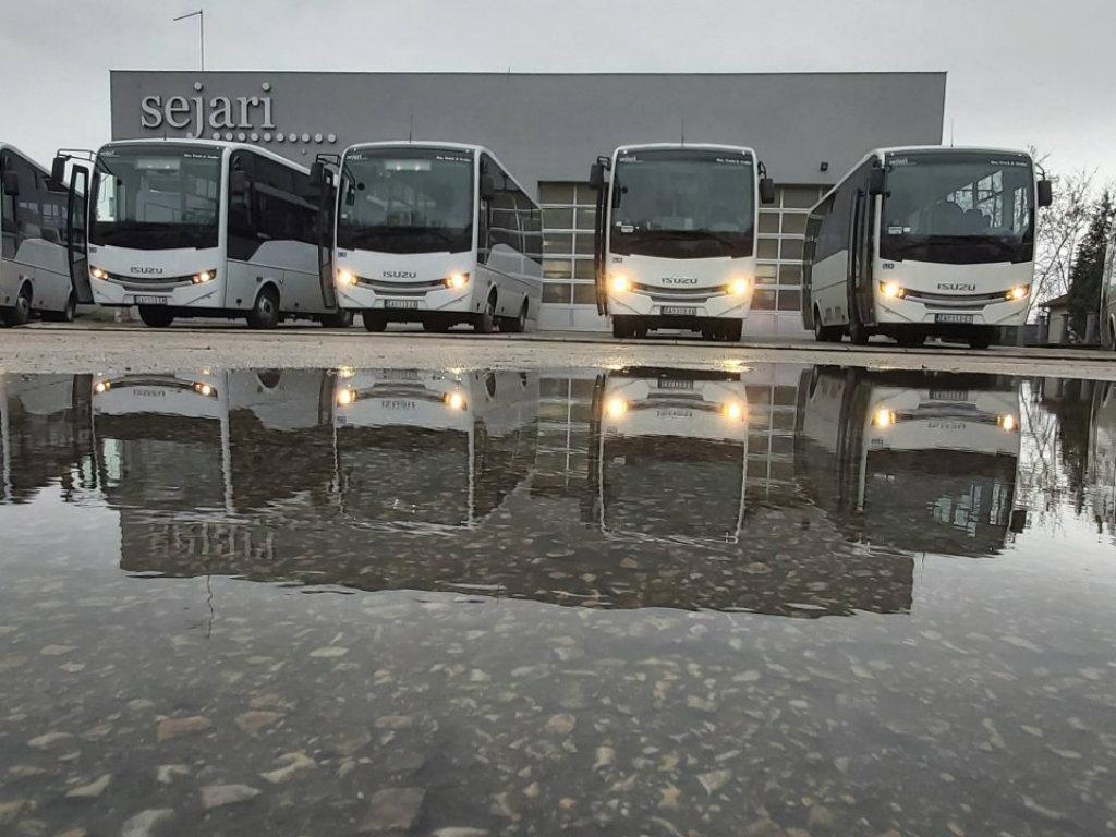 Novi Isuzu midibusevi za Autoprevoz Čačak - Šest vozila nove generacije prevoziće putnike na gradskim i prigradskim linijama u Kraljevu