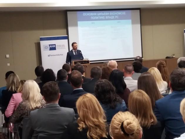 Sinisa Mali addressing members of AHK Serbia