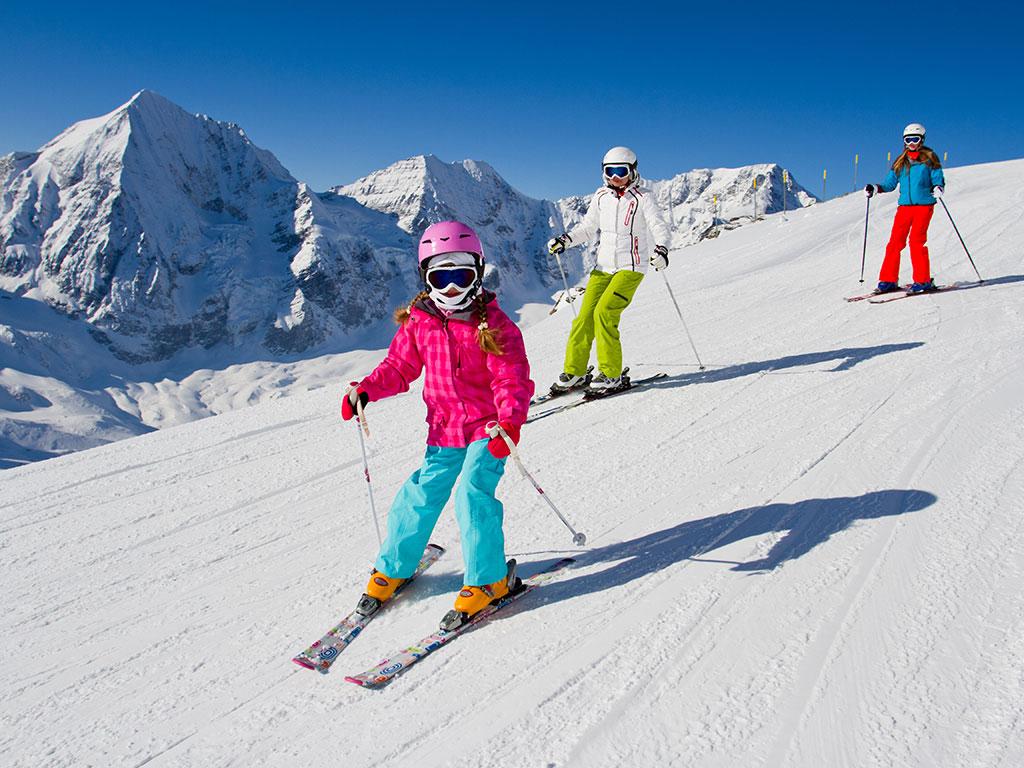 Koje skije su prave za vas? - Višenamenske, sveplaninske, takmičarske, ženske...