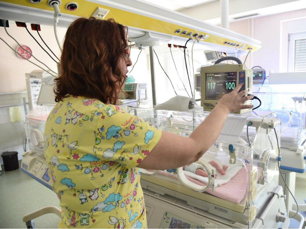 Srbija se pridružuje državama koje sprovode masovni rani skrining srca kod beba