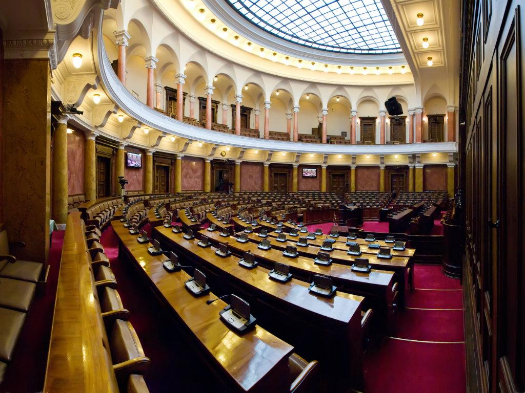 Ozonizatori preduzeća SKV Garant u borbi protiv pandemije - Ozon care steriliše Skupštinu Srbije