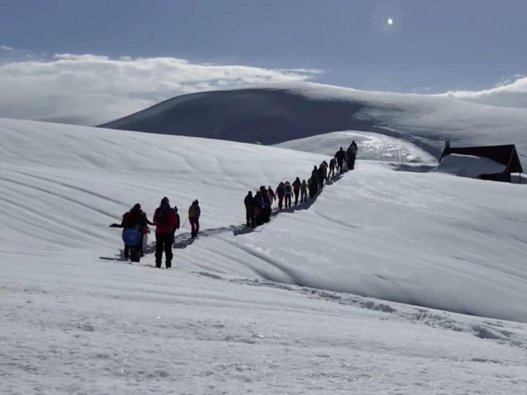 Agencija Montenegro Phototrekking organizovala snowshoeing i ligulašku turu - Krpljama kroz Bjelasicu