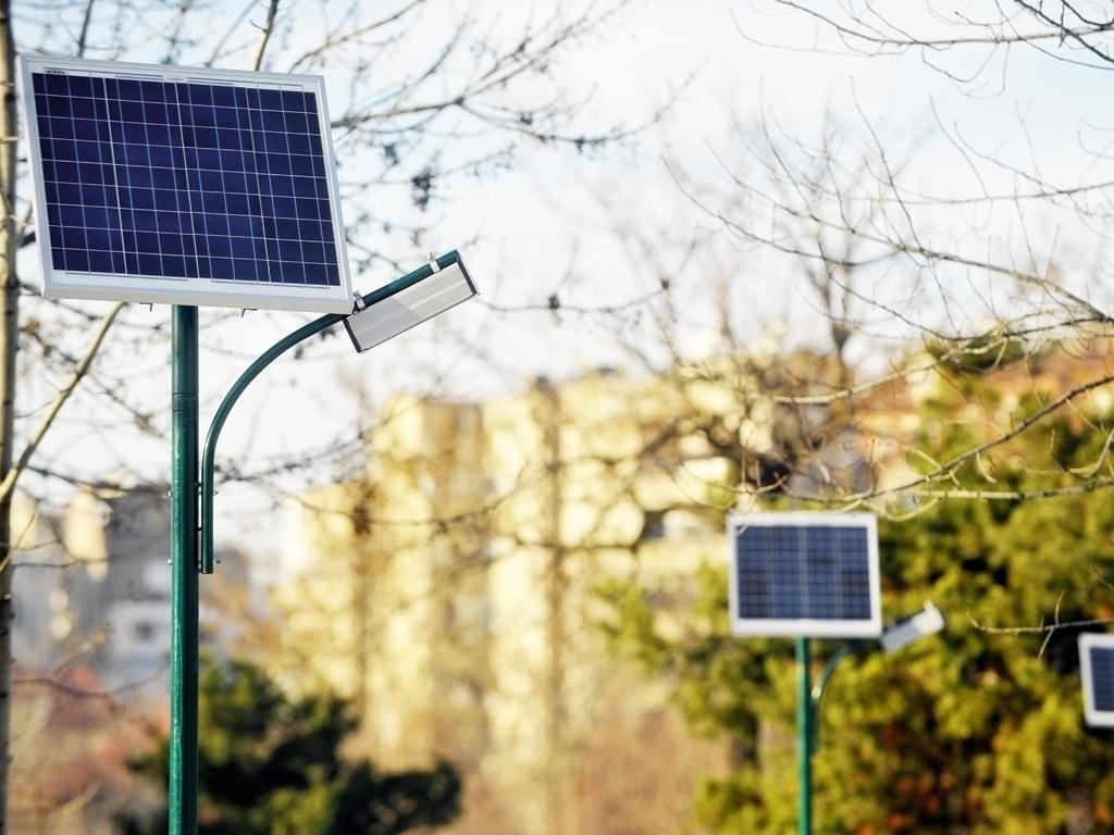 U Sarajevu postavljena prva solarna stabla