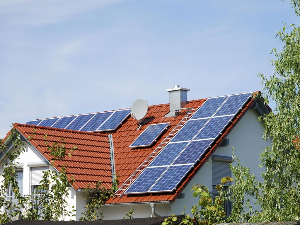 Prvi koraci u uvođenju mehanizma neto merenja struje u Srbiji - Preduslov za korišćenje energije sunca u domaćinstvima