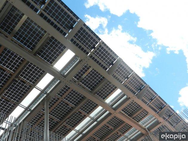 Struja iz solarnih panela jeftina u celom svetu, osim u Srbiji