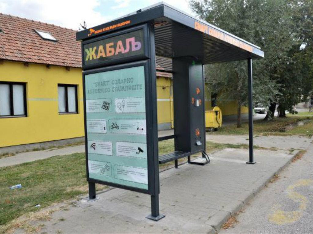 Nova solarna autobuska stajališta u Žablju - Besplatni internet i priključci za punjače mobilnih telefona
