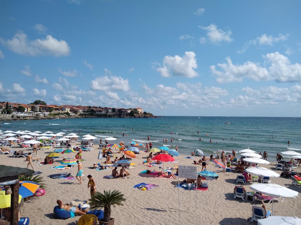 Crno more je zeleno-plavo: Zbog čega više Srba ne letuje u Bugarskoj? (FOTO)
