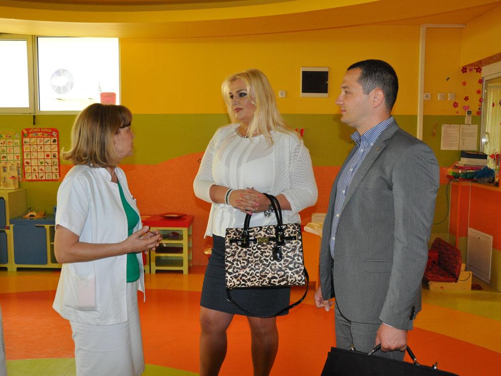 Sparkasse Bank uručila donaciju Zavodu Dr Miroslav Zotović