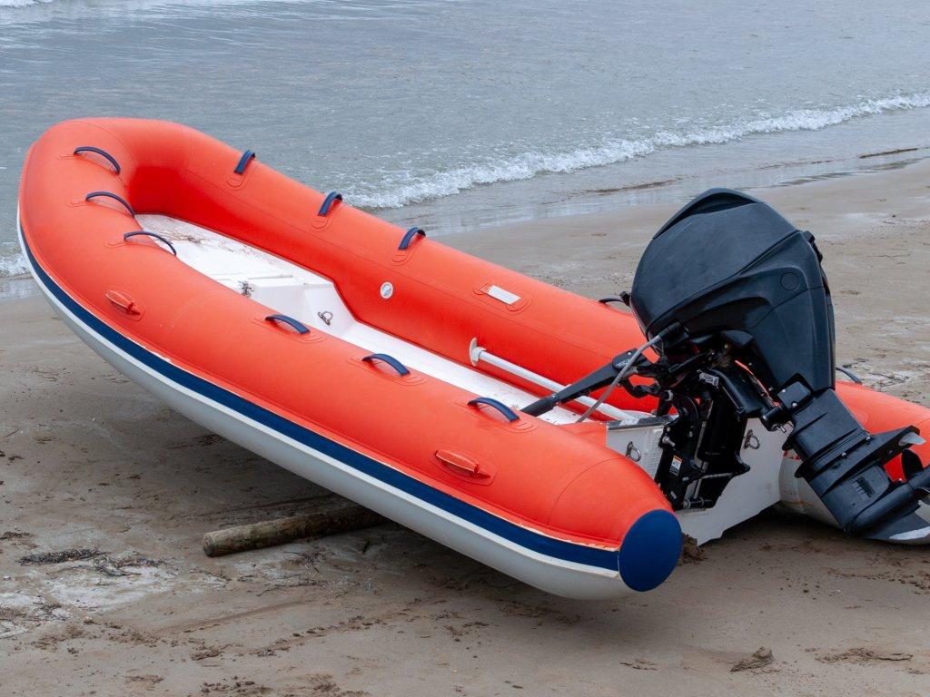 Japan schenkt Serbien Rettungsboote im Wert von 1,5 Mio. EUR