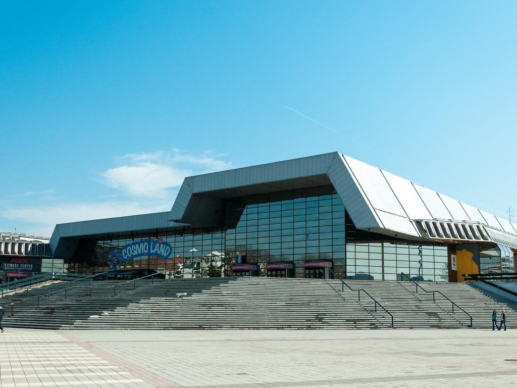 Izvođač radova na olimpijskom bazenu na Spensu ukloniće sve nedostatke, uverava gradonačelik Novog Sada