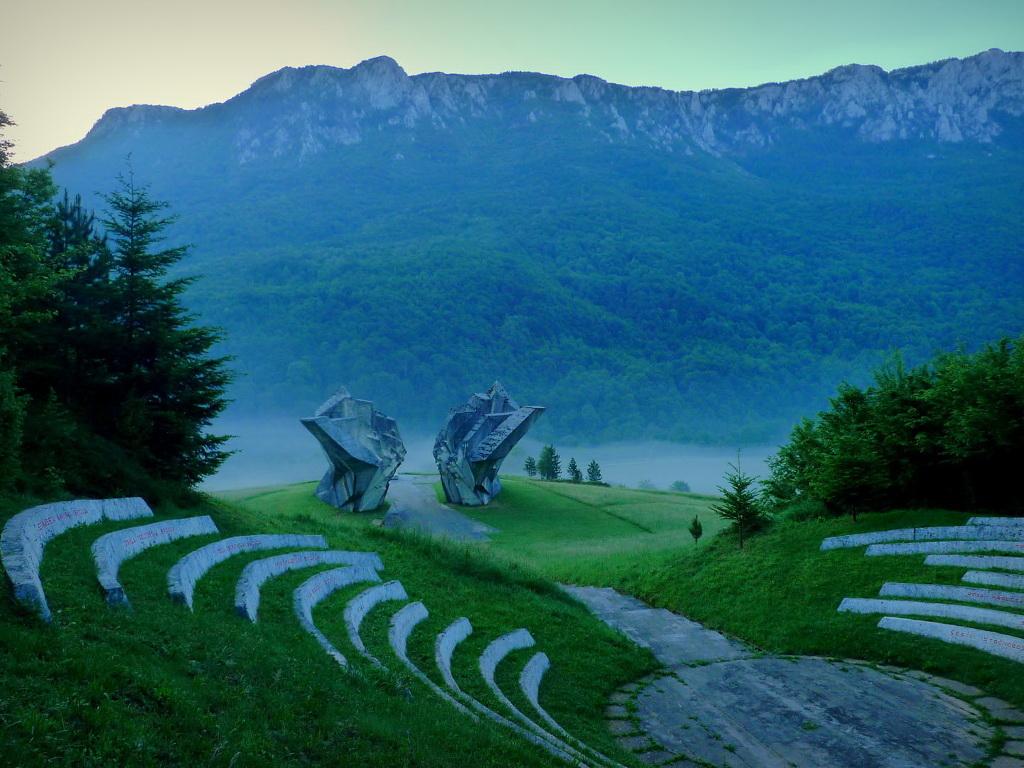Vlada RS i Fond za zaštitu životne sredine donirali NP Sutjeska 20.000 KM za nabavku autobusa