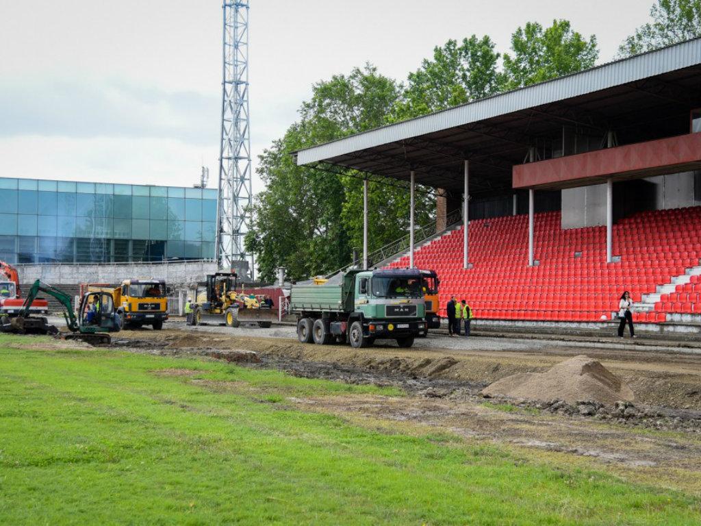 Rekonstruiše se gradski stadion u Zrenjaninu - Novi izgled atletske staze, tribina, svlačionica i terena