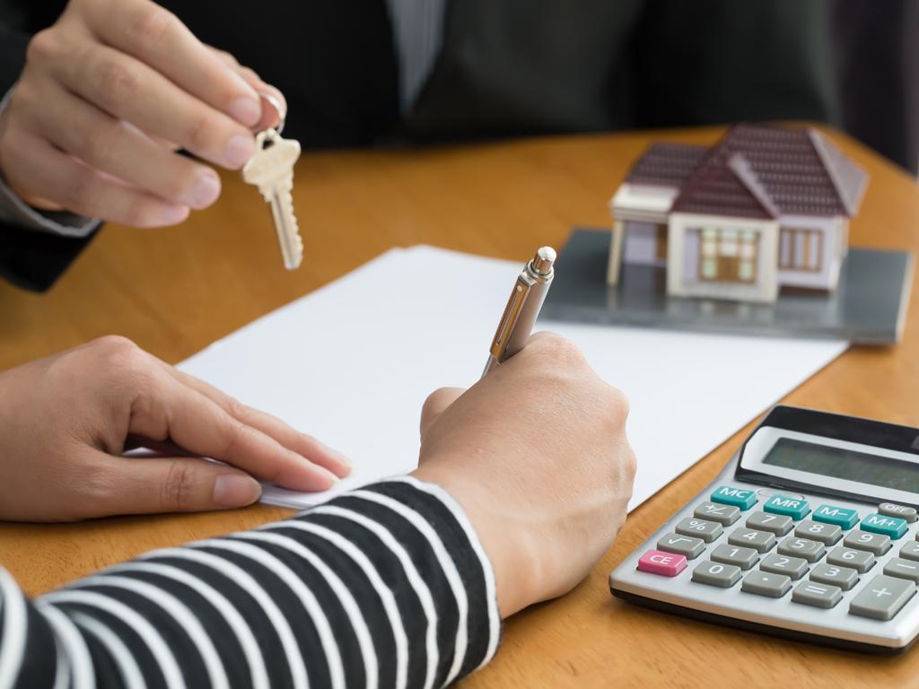 Novi set poreskih zakona (5) - Od 1. januara 2020. notari podnose poreske prijave za kupovinu nekretnine umesto građana