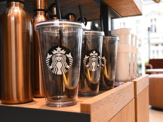 Beskontaktno plaćanje Starbucks kafe olovkom