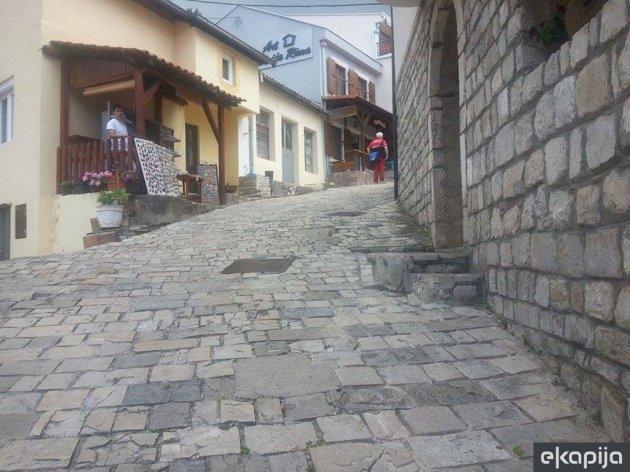 Opština Bar ulaže 420.000 EUR u uređenje kaldrme u Starom gradu - Raspisan tender za izvođače